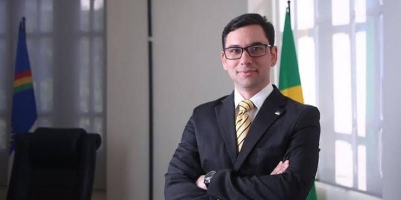 O programa conta com a participação do Secretário do Trabalho, Emprego e Qualificação Alberes Lopes