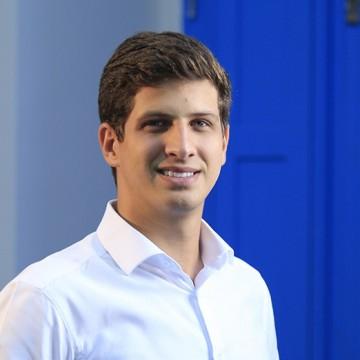 João Campos mantém liderança na pesquisa do Democratas