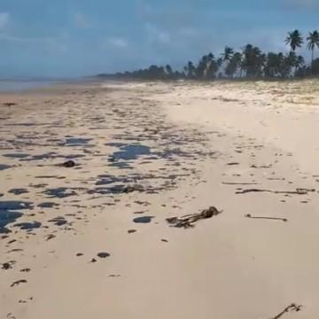 Sobe para 124 número de praias atingidas por manchas de óleo