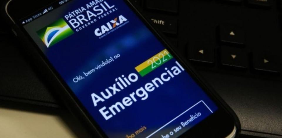 Caixa paga nesta quarta-feira (21) auxílio emergencial a nascidos em abril
