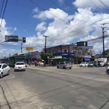 Obras de requalificação na Avenida Presidente Kennedy em Olinda