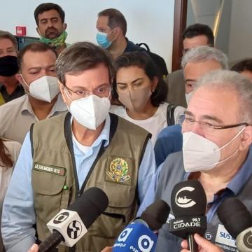 Ministro da Saúde, Marcelo Queiroga, visita hospitais de cidades do Agreste durante fim de semana