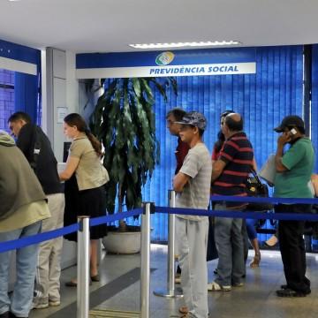 INSS gasta R$ 200 milhões ao ano com correção de benefício atrasado