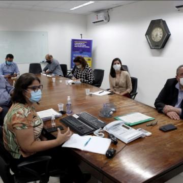 Pernambuco começa a traçar plano de vacinação contra a covid-19