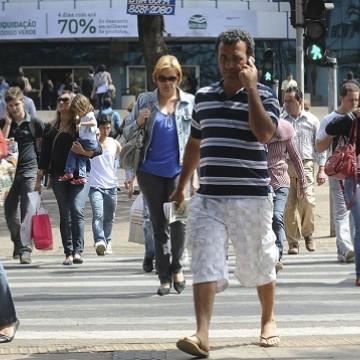 Economistas recomendam austeridade às famílias
