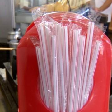 Uso de canudos de plásticos está proibido estabelecimentos de PE