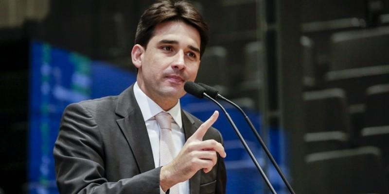 Parlamentar afirma que os recursos serão utilizados para a compra de novos equipamentos e no auxílio ao atendimentos aos pacientes acometidos pela doença de Pernambuco