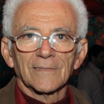 Onildo Almeida é agraciado com o título de Doutor Honoris Causa da UFPE