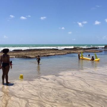 Comerciantes percebem leve queda por causa do óleo nas praias