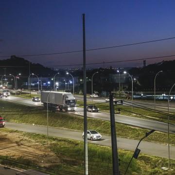 Prefeitura do Recife em fase de finalização de instalação em LED na BR-101