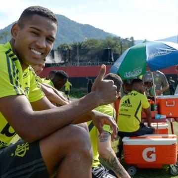 Sport encaminha acerto com lateral-direito João Lucas