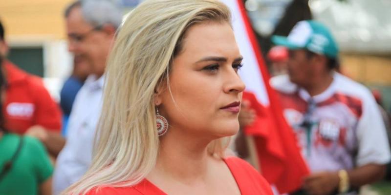 A deputada mantém conversas com o ex-presidente Lula para discutir viabilidade em torno da sua candidatura ao executivo municipal
