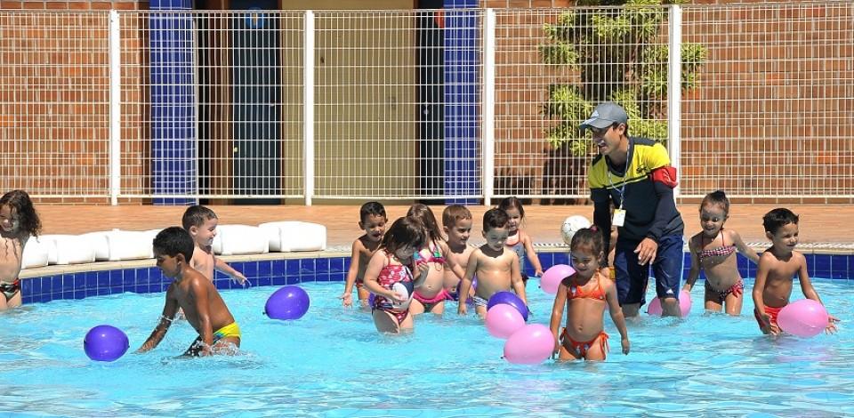 Sesc Ler Belo Jardim com atividades recreativas para crianças, nas férias