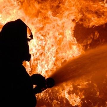 Incêndio se alastra sobre a economia