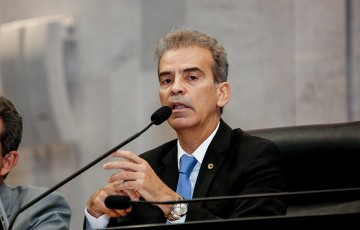 Feitosa abraça as teses do governo Bolsonaro