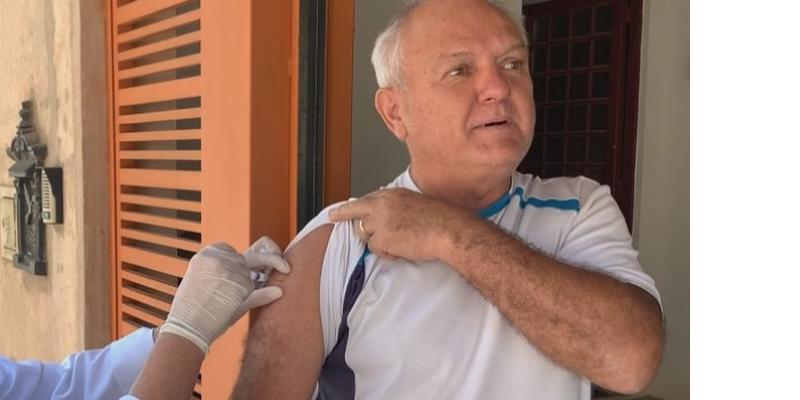 A medida tem o objetivo de evitar que o público alvo - idosos a partir dos 60 anos - se submeta a aglomerações e à exposição ao novo coronavírus
