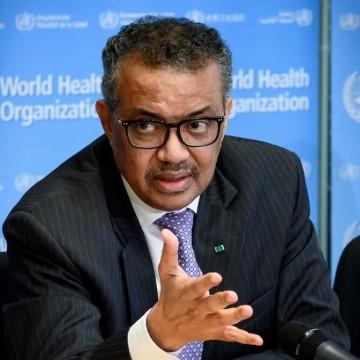 Diretor da OMS pede que países forneçam mais vacinas a países pobres