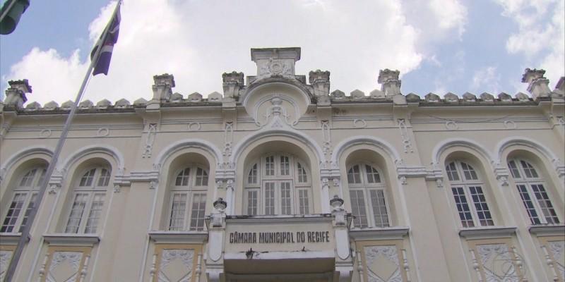 Reajuste foi aprovado pelos próprios parlamentares na última sessão deliberativa do ano de 2019, na Câmara do Recife, que resultou na remuneração atual de R$ 18.980,00