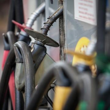 Alberto Feitosa aponta diferença nos preços da gasolina em Pernambuco