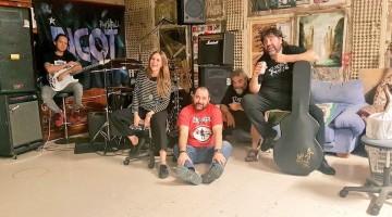 Banda Ingot faz show em Caruaru