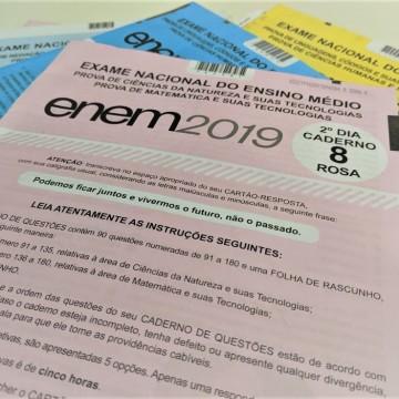 Queda nas médias do Enem revelam desafios da educação no Brasil