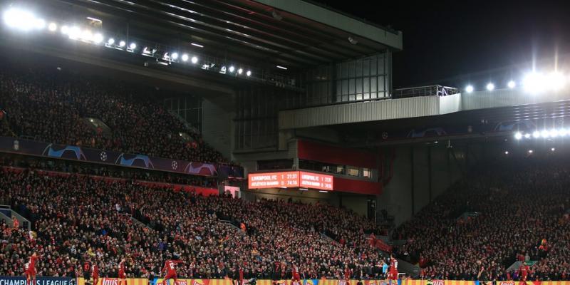 De acordo com a Premier League, a decisão foi tomada depois de uma reunião com acionistas e a consulta aos clubes participantes