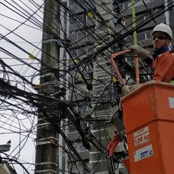 800 quilos de fios irregulares são removidos pela Celpe em Olinda