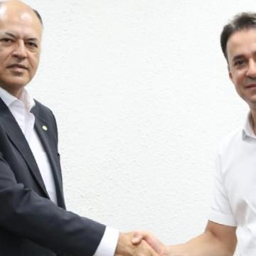 Presidente do Patriota, deputado Pastor Eurico, da Assembleia de Deus, declara apoio a Anderson Ferreira