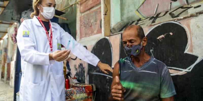 Das 625 pessoas vacinadas nesta condição, 117 já receberam o imunizante