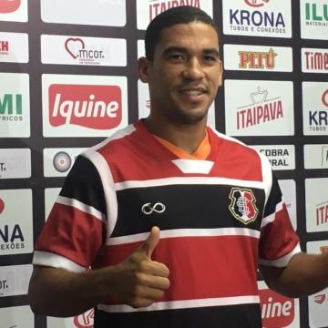 Santa Cruz apresenta lateral-direito Toty, ex-jogador do Cuiabá