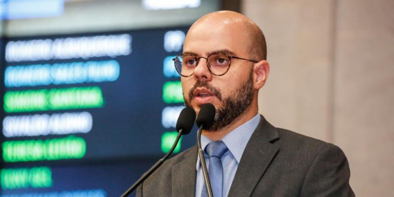 Romero Sales Filho afirma defender que os extremos não são bons para a democracia