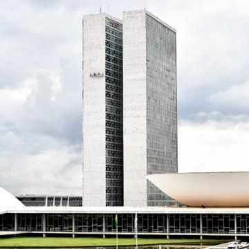 Panorama CBN: Brasileiros descrentes com a política