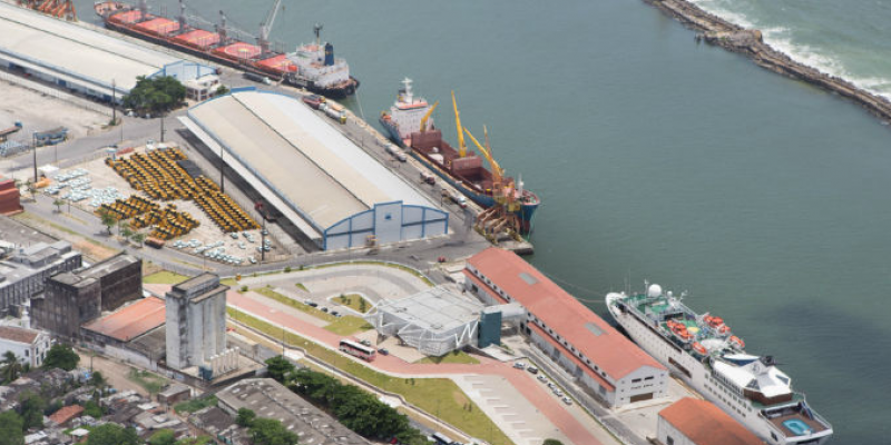 O primeiro navio chega ao Recife nesta segunda-feira (24), com 516 turistas a bordo, vindo de Salvador-BA