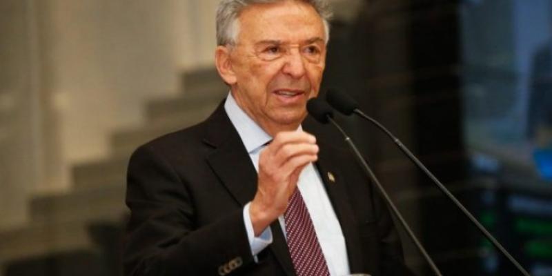 O Parlamentar apresentou suas ações na assembléia e teceu críticas ao governo local