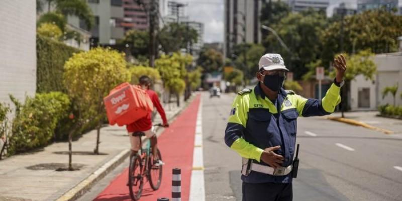 A nova rota para bicicletas tem 1 km de extensão e passa pela pista local da Agamenon Magalhães, no sentido Olinda, no trecho entre a Avenida Norte e a Avenida Doutor Jayme da Fonte. Inauguração foi feita em alusão ao Dia Mundial sem Carro