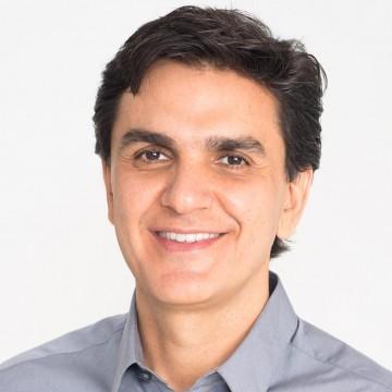 Palestra com Gabriel Chalita traz reflexões sobre sonhos e angústias de professores
