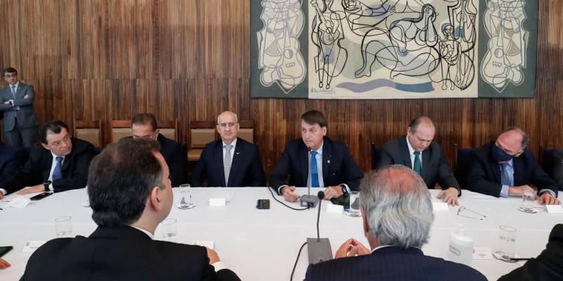 Novo programa substituirá o auxílio emergencial e o Bolsa Família