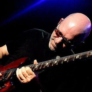 Entrevista | Nuno Mindelis lança Angola Blues