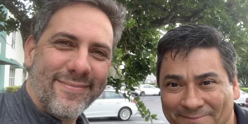 Radialista carioca que se mudou para os EUA por amor monta Web Radio para brasileiros na Flórida