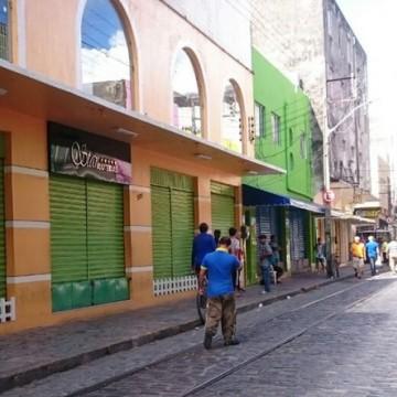 Confiança dos empresários pernambucanos volta a cair em maio