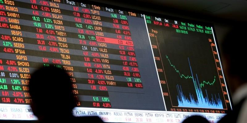 Na sexta-feira, o principal índice da bolsa subiu 2,03%, a 112.833 pontos. A semana anterior fechou praticamente estável, com queda de 0,06%.