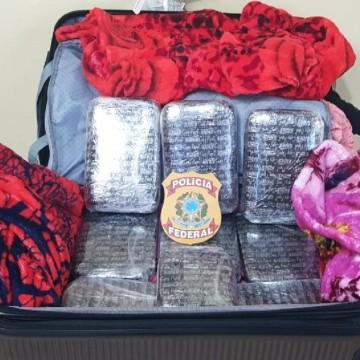Mulher é presa com 10 quilos de cocaína no Aeroporto do Recife