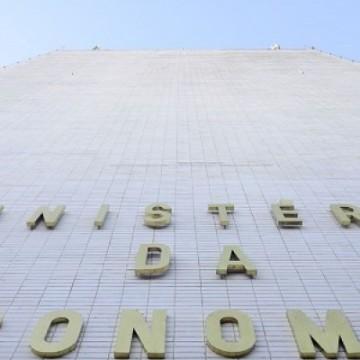 Queda do PIB brasileiro foi menor do que em outros países, diz governo