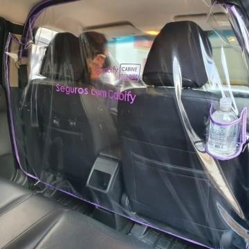 PL prevê instalação de barreira plástica em táxis e carros de aplicativos