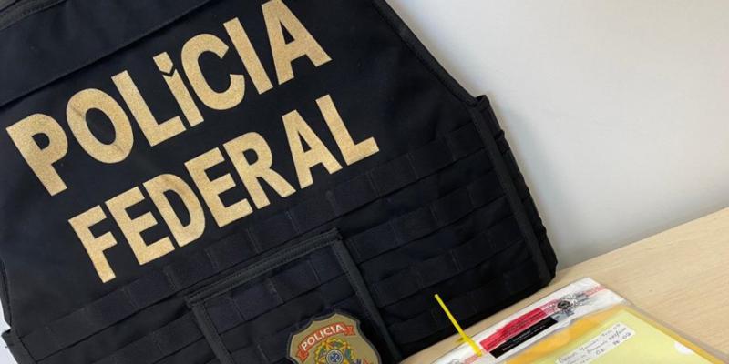 Os mandados estão sendo cumpridos no Recife e um em Moreno/PE. Segundo a PF, a organização criminosa é responsável por movimentar irregularmente valores que passam dos R$ 12 milhões