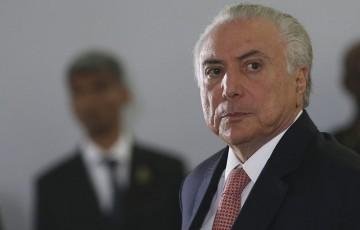 Indulto prometido por Bolsonaro vira alvo de comentários no Brasil inteiro