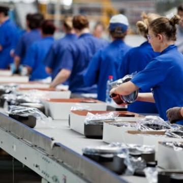 FIEPE aponta que 50 % das empresas pretendem demitir em breve