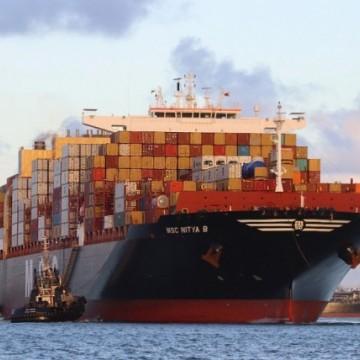 Vindo da Espanha, maior navio da América do Sul atraca no Porto de Suape