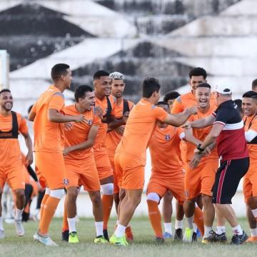 Santa realiza último treino antes de enfrentar o Globo/RN