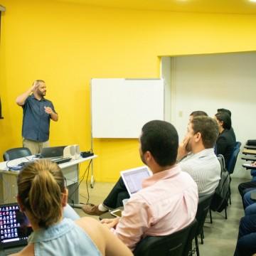 Estudante de ciência da computação é o primeiro surdo a defender tese de doutorado na UFPE